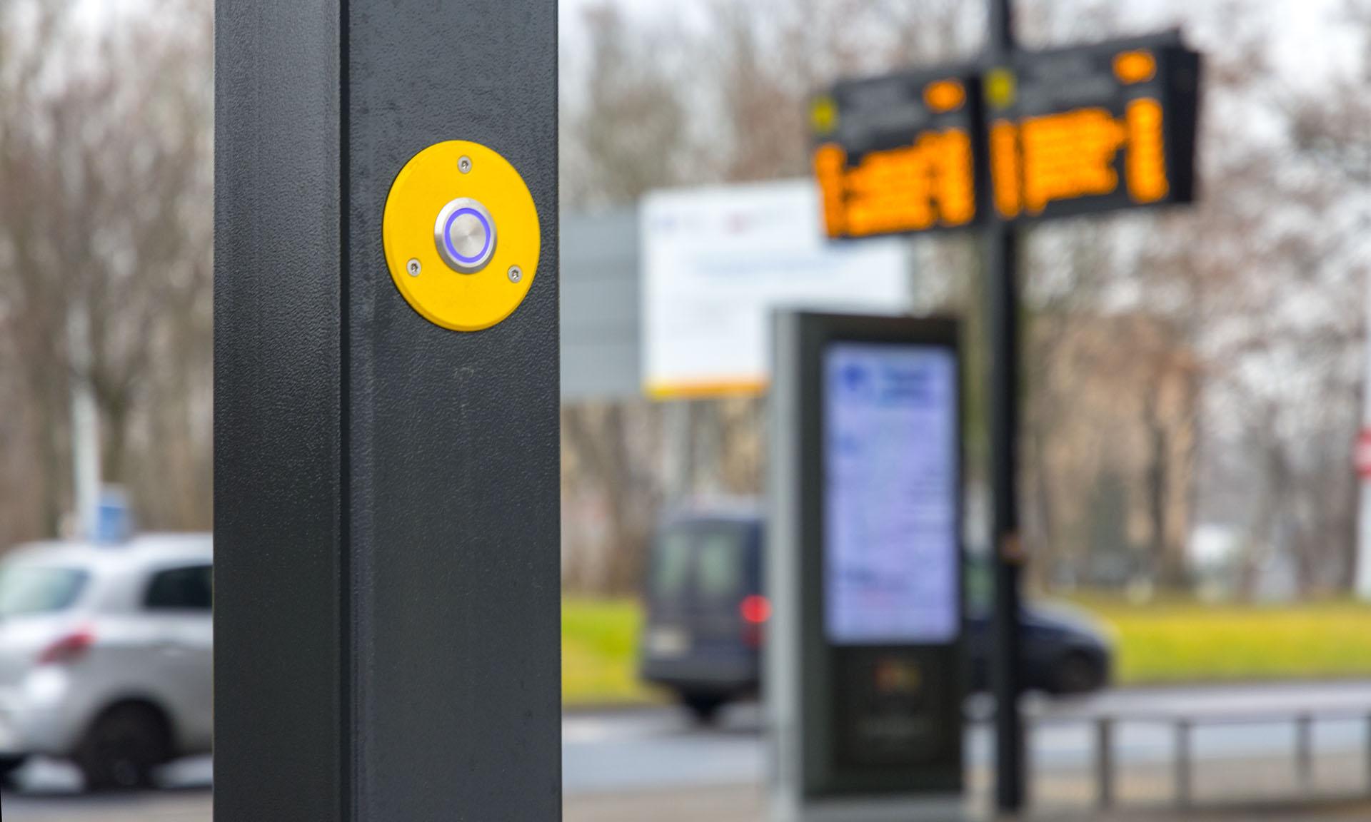 Dysten Text-To-Speech system in the pole in the Katowice Zawodzie interchange hub in DPIS