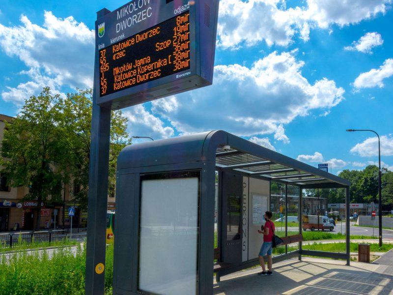 Real-time passenger information displays at interchangetablice i wyświetlacze dynamicznej informacji pasażerskiej w centrum przesiadkowym w Mikołowie